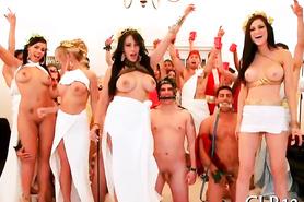 Студенческая вечеринка и оргия с сексапильными девицами