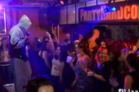 Вечеринка в ночном клубе удалась