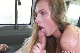 Секс с грудастой блондинкой в фургоне