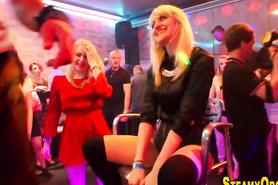 Оргия с красавицами на вечеринке в клубе