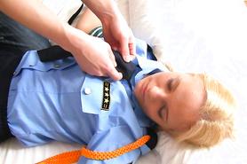 Парниша напоил полицескую снатворным и пока она спала раздел